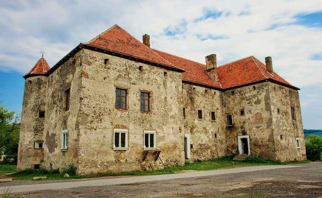 Чинадіївський замок Сент-Міклош
