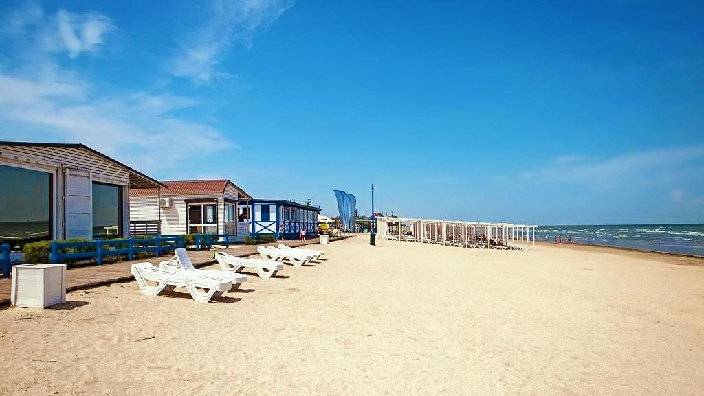 Пляжний клуб «Арабатка»